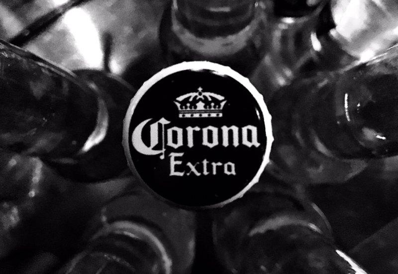 Life酒吧嗨皮